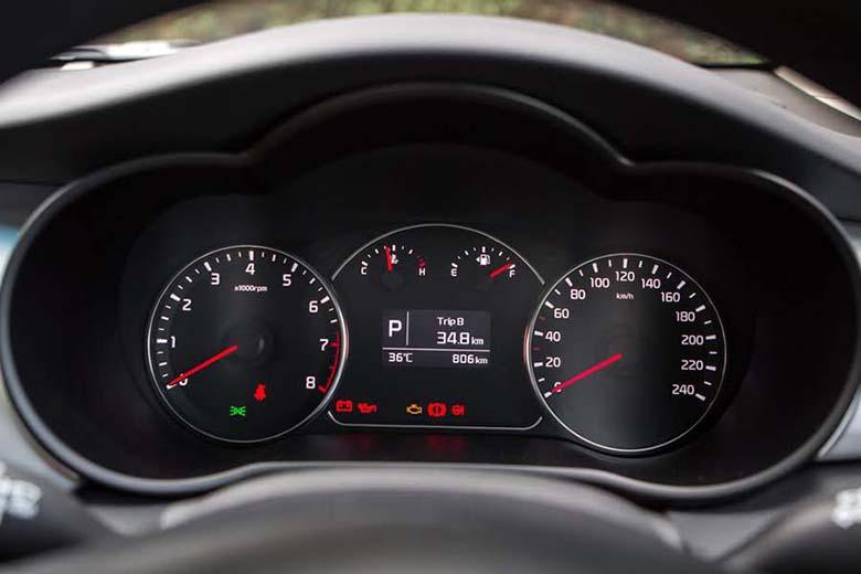 Kia Rondo 2021: MPV Crossover 7 chỗ giá rẻ - 11