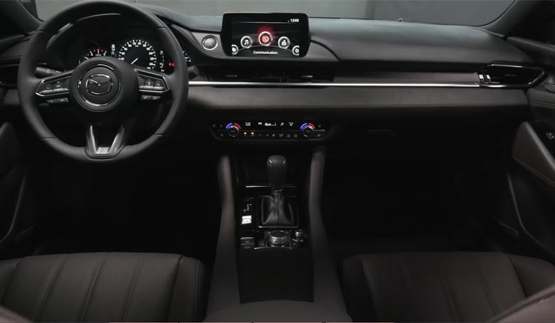 Bảng taplo Mazda 6 2021