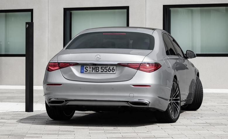 Thiết kế đuôi xe Mercedes S-Class thế hệ mới gây nhiều tranh cải