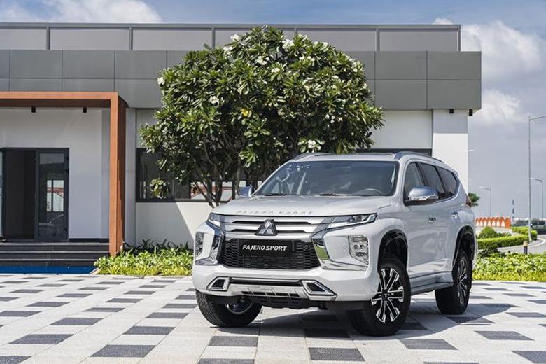 Mitsubishi Pajero Sport 2021: giá lăn bánh và khuyến mãi ...