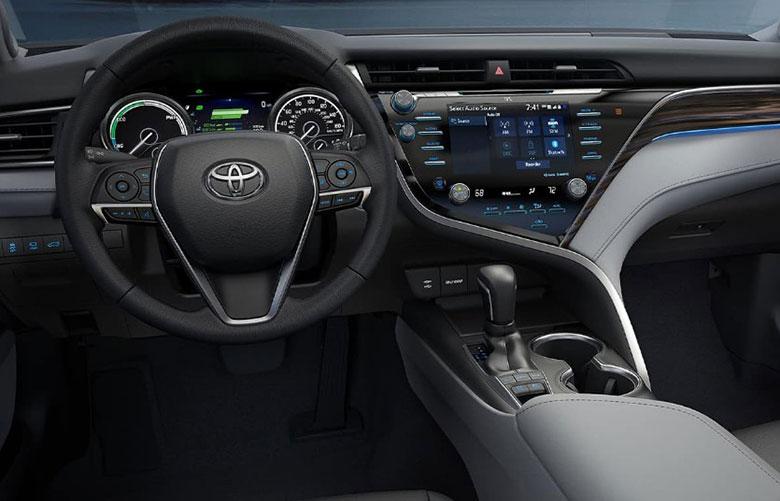 Đánh giá xe Toyota Camry 2021-6