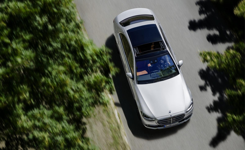 Mercedes-Benz S-Class 2021 nhìn từ trên cao