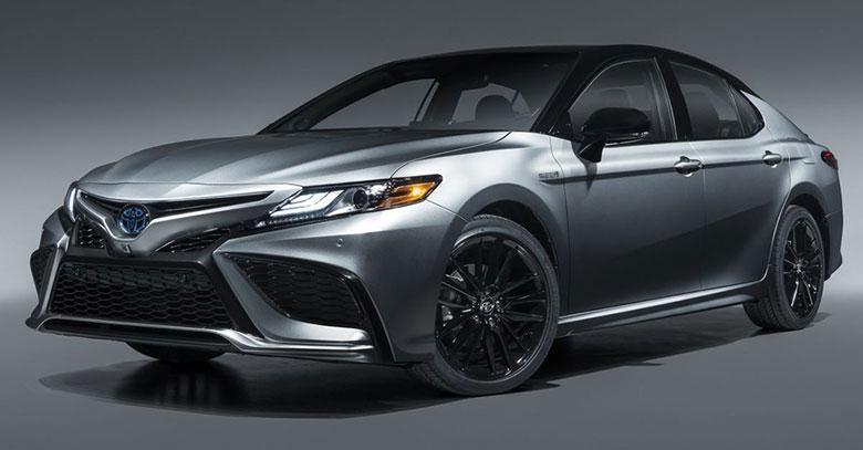 Đánh giá xe Toyota Camry 2021-1