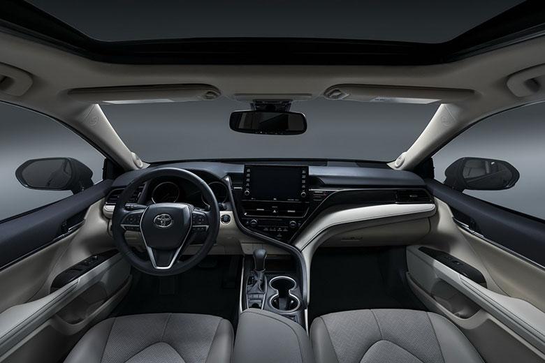 Đánh giá xe Toyota Camry 2021-5