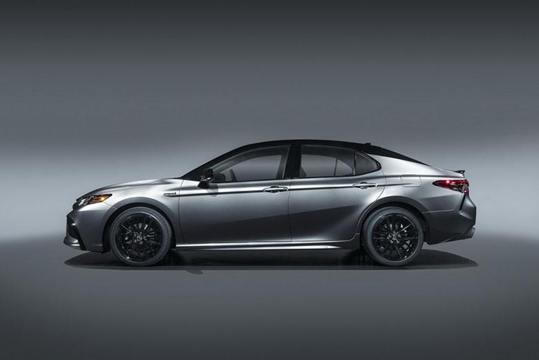 Đánh giá xe Toyota Camry 2021-3