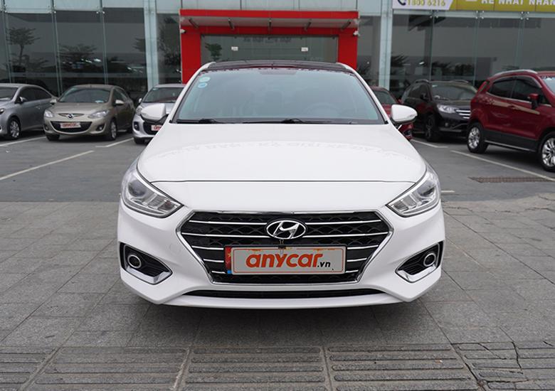 Thiết kế đầu xe Hyundai Accent