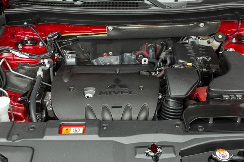 Ưu nhược điểm Mitsubishi Outlander 2020 kèm giá bán-4