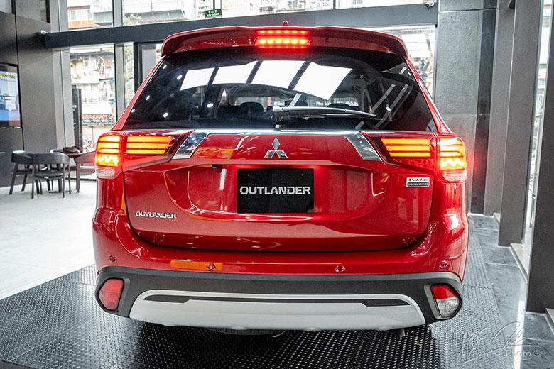 Mitsubishi Outlander cũ: Bảng giá xe Outlander cũ tháng 01/2021-2