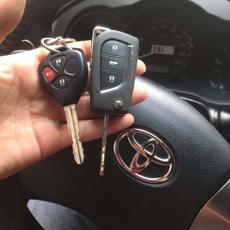 chìa khoá xe ô tô - 5