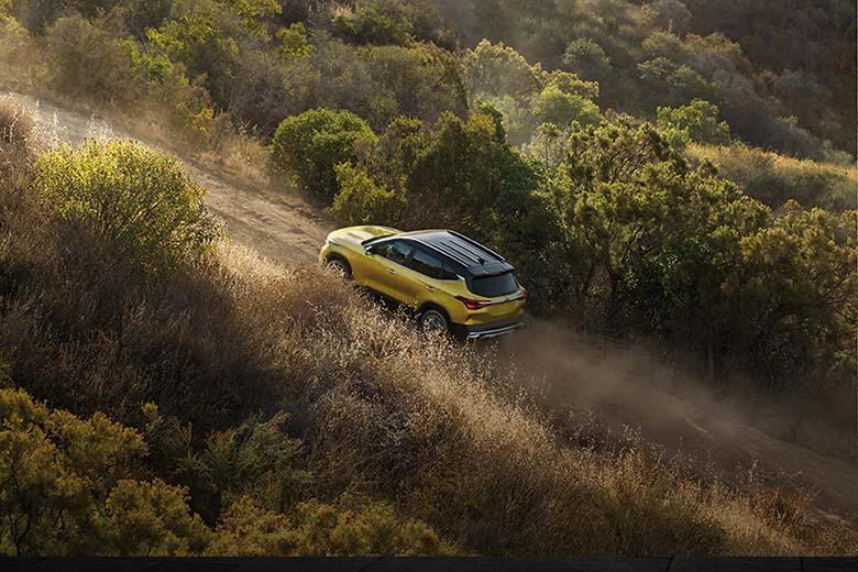 Kia Seltos 2021 ra mắt lần đầu tại Ấn Độ với các phiên bản: Deluxe, Luxury, Premium, Premium