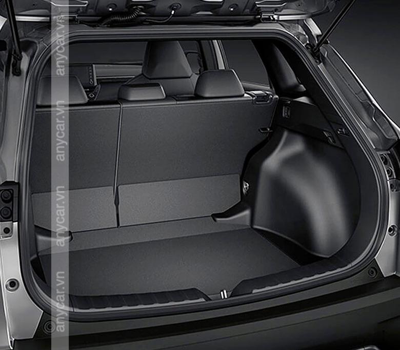 Khoang hành lý của Toyota Corolla Cross có dung tích 440 lít
