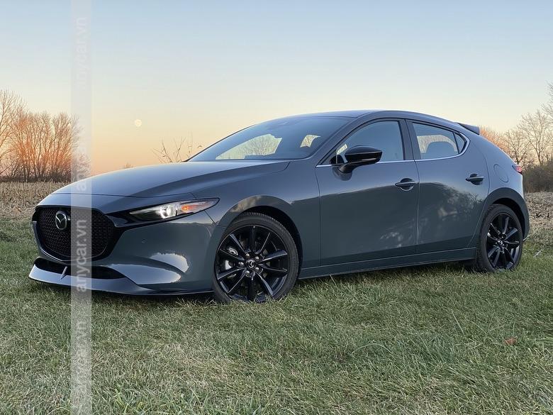 Thân xe Mazda 3 Hatchback sang trọng và lịch lãm