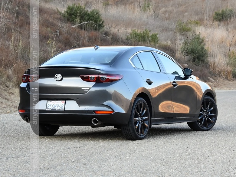 Đuôi xe Mazda 3 Sedan 2021