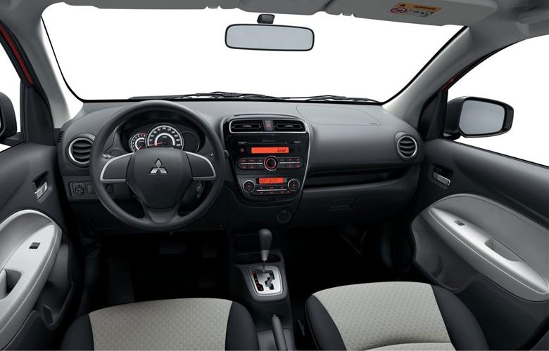 Khoang nội thất Mitsubishi Mirage không có quá nhiều nút bấm