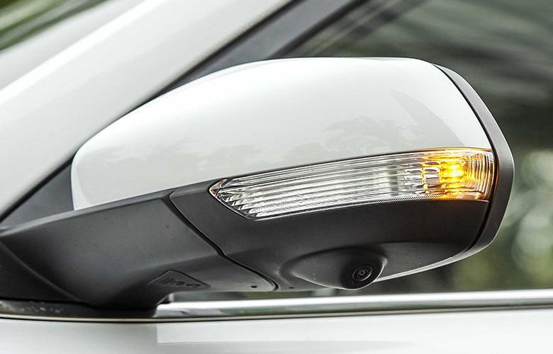 Gương chiếu hậu gập/chỉnh điện tích hợp đèn báo rẽ