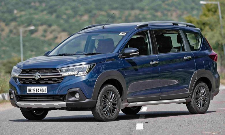 Suzuki XL7 màu xanh trẻ trung