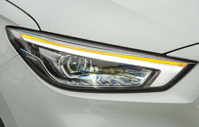 Đồ họa đèn pha mới của MG ZS 2021