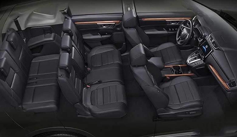 Không gian bên trong xe CR-V 1.5E khá rộng rãi