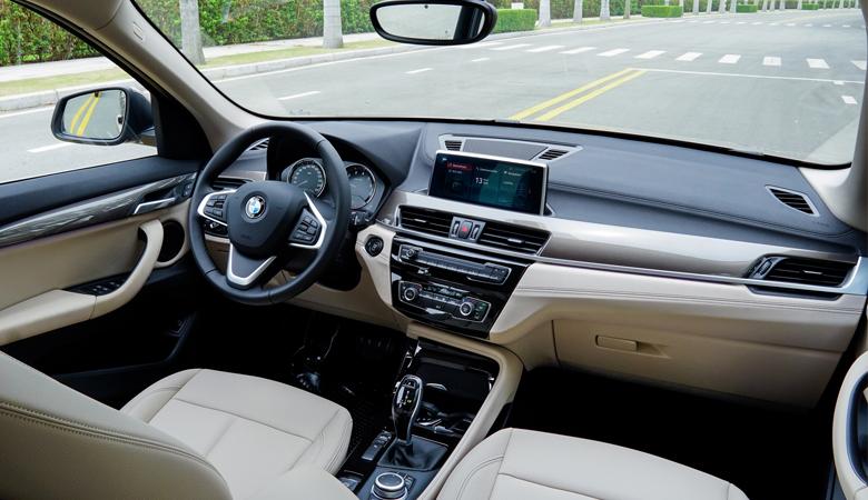 Bảng taplo của BMW X1