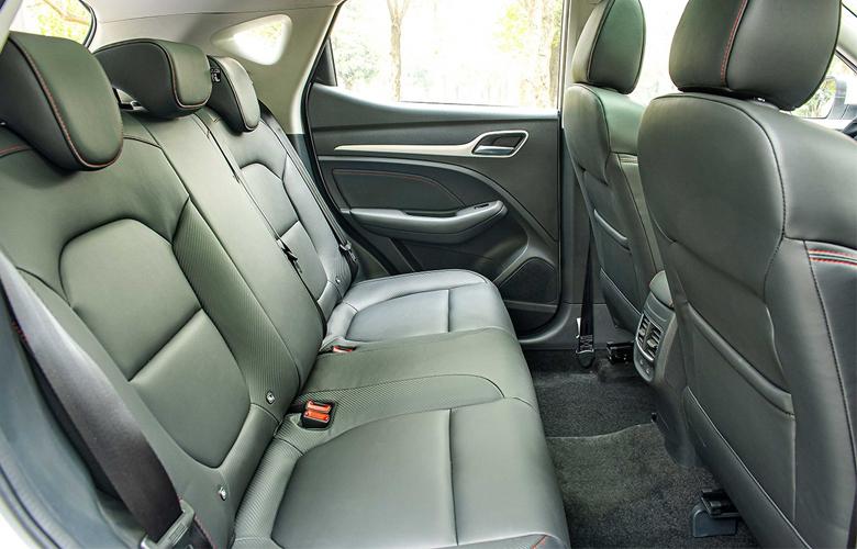 Khoang hành khách MG ZS 2021