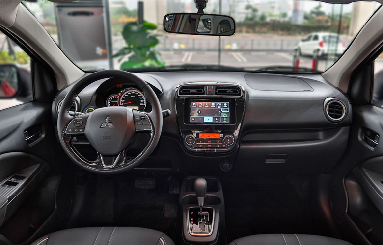 Khoang nội thất của Mitsubishi Attrage khá dễ sử dụng