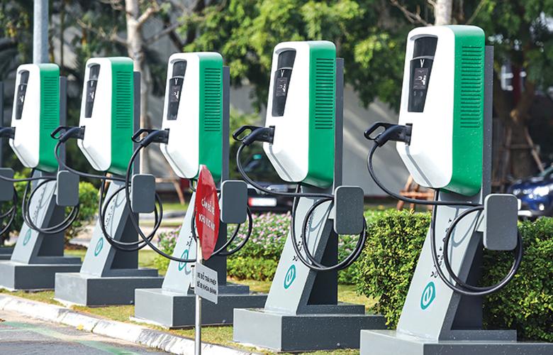 Các trụ sạc pin xe ô tô điện Vinfast