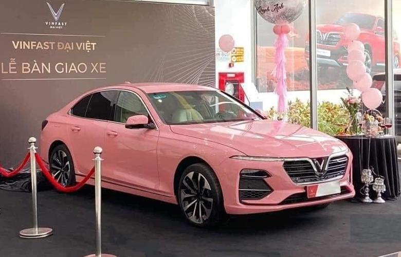 Vinfast Lux A2.0 màu hồng gây sốt MXH thời gian vừa qua