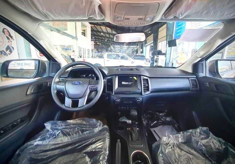 Bảng taplo thể tao của Ford Everest Ambiente