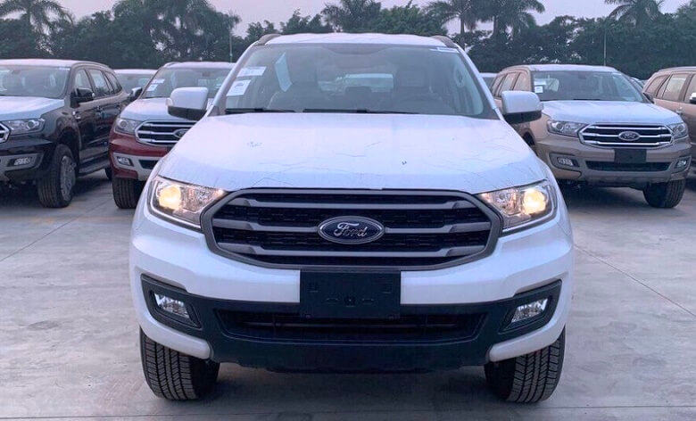 Đầu xe Ford Everest Ambiente