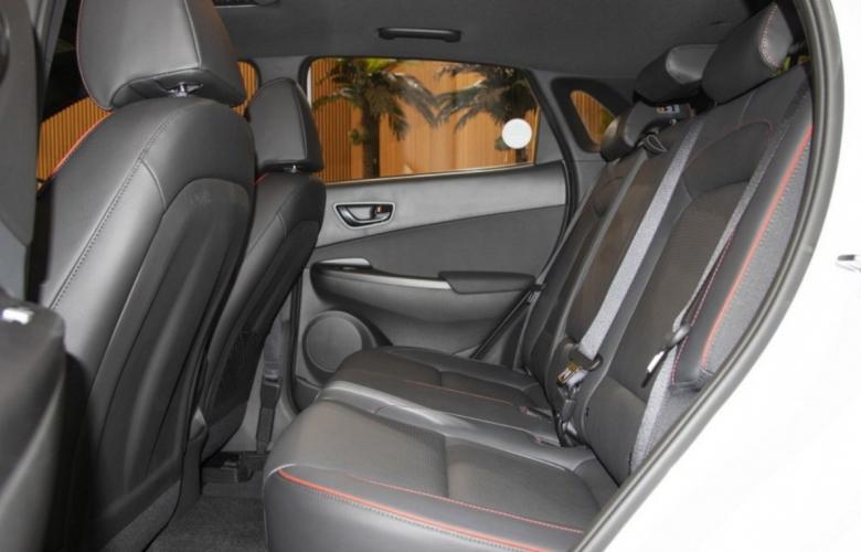 Hàng ghế sau Hyundai Kona 2.0AT Đặc Biệt