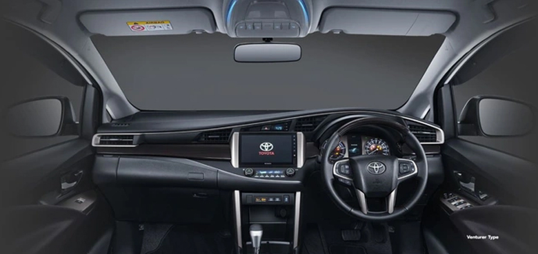 Bảng taplo của xe Toyota Innova Venturer