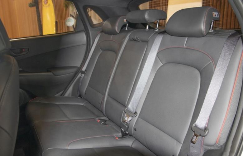 Hàng ghế sau của Hyundai Kona