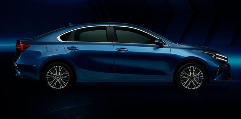 Kia K3 2022 được hãng trang bị gương chiếu hậu tích hợp các tính năng gập/chỉnh điện, sấy và báo rẽ
