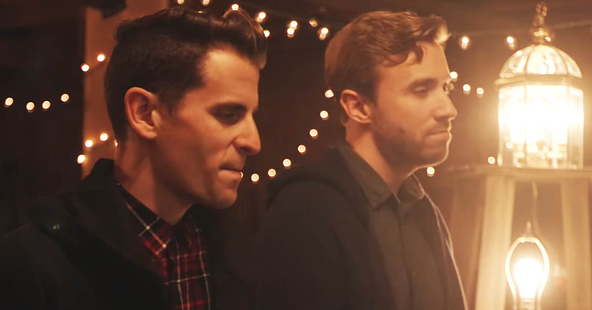 Little Drummer Boy - Peter Hollens And Mike Tompkins