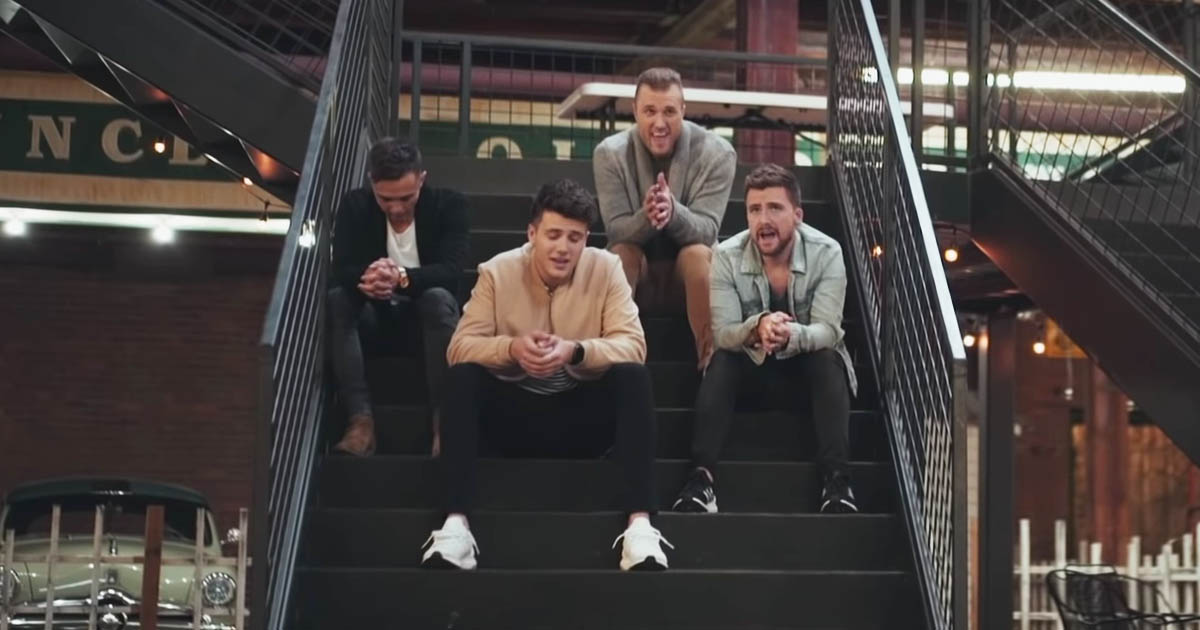 Anthem Lights Singing 'Here I Am to Worship' Will Leave You Praising His  Name