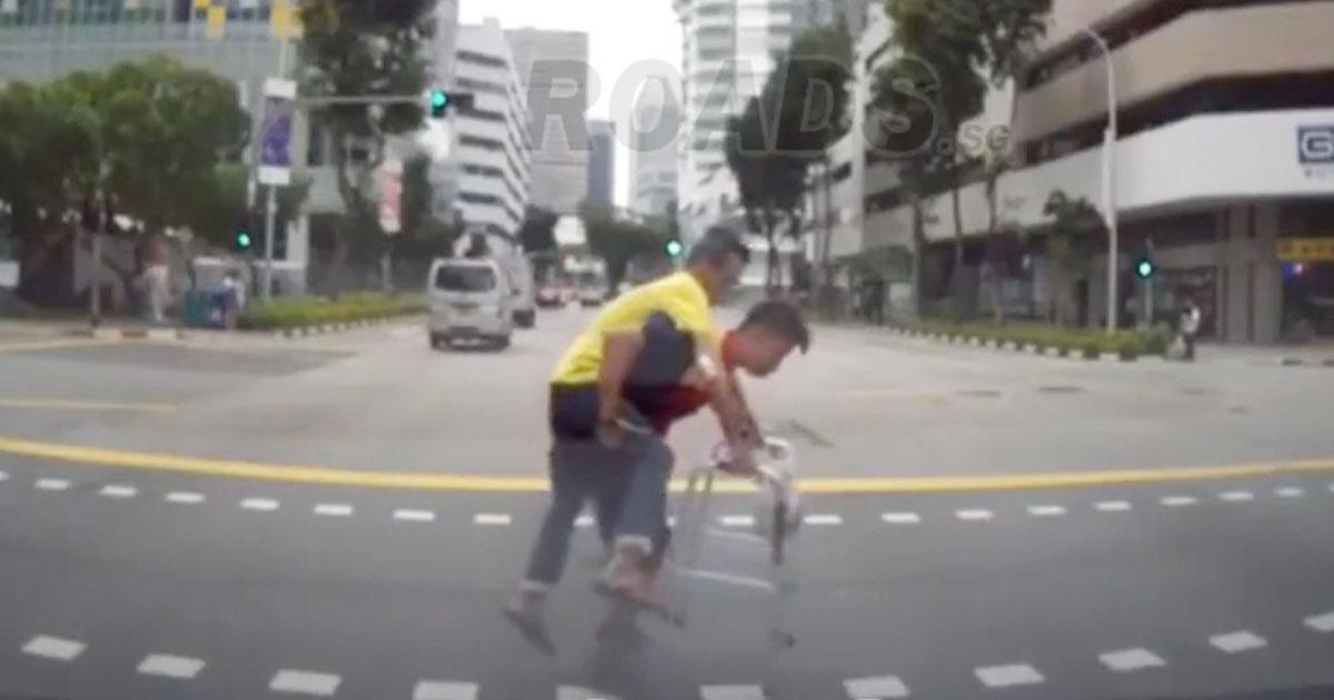 delivery-man-piggybacks-elderly