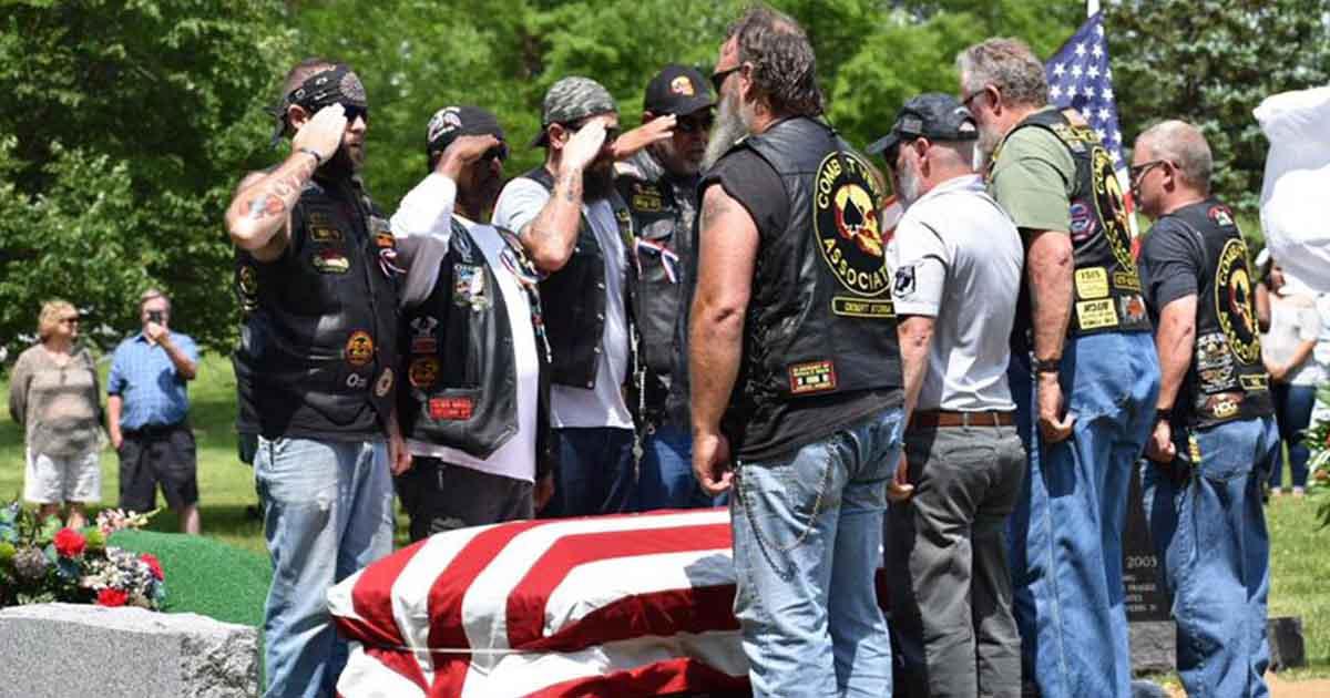 strangers-attend-veterans-funeral