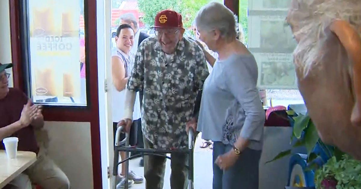 Doughnut-shop-surprises-Veteran