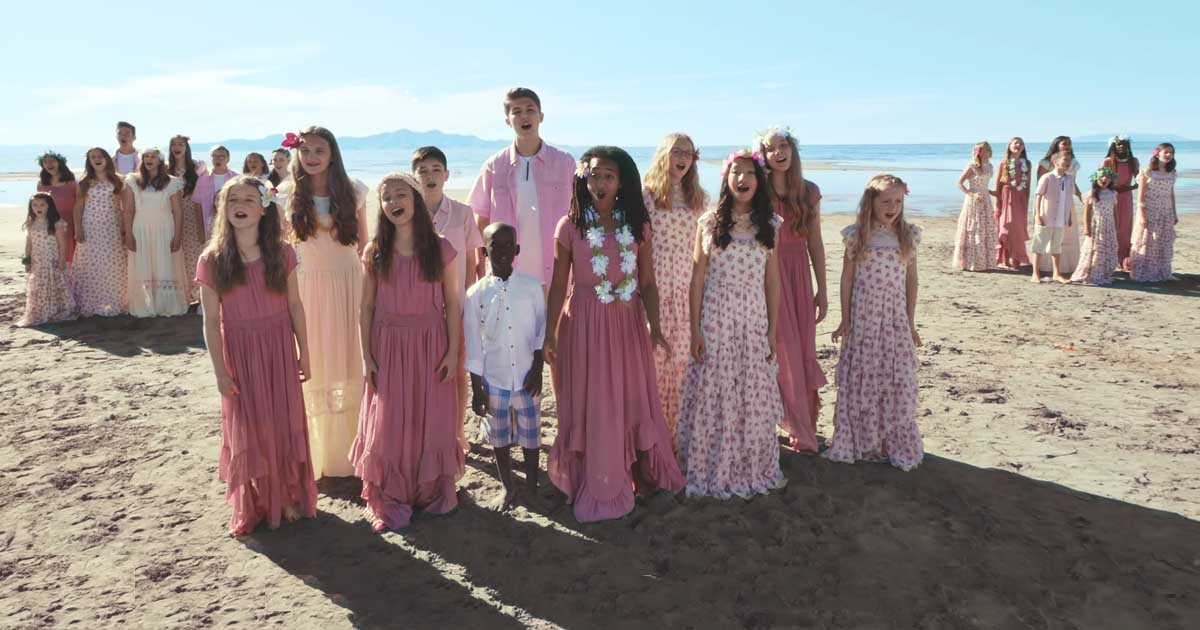 One Voice Children S Choir Sings Beautiful Rendition Of Love At Home Faithpot One voice children's choir, under the direction of masa fukuda, performs you will be found from the 2017 broadway. one voice children s choir sings