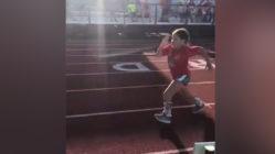 girl with spina bifida runs