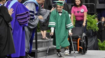 wheelchair-teen-walks-graduation