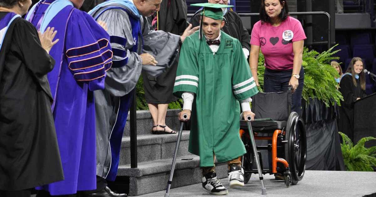wheelchair-teen-walks-graduation