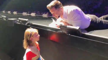 Hugh-Jackman-Happy-Birthday-fan