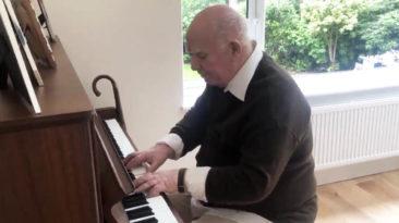 dementia-piano-player