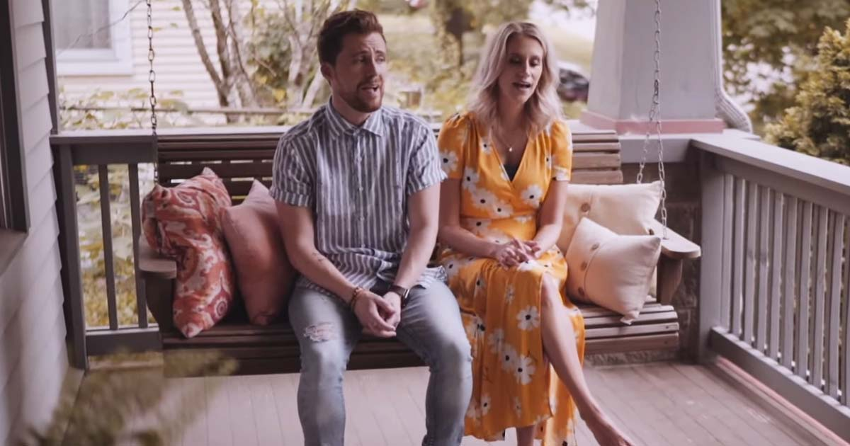 Husband And Wife Sings Beautiful Rendition Of 'You Are My Sunshine'
