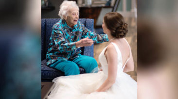 bride-meets-nana-in-wedding-dress