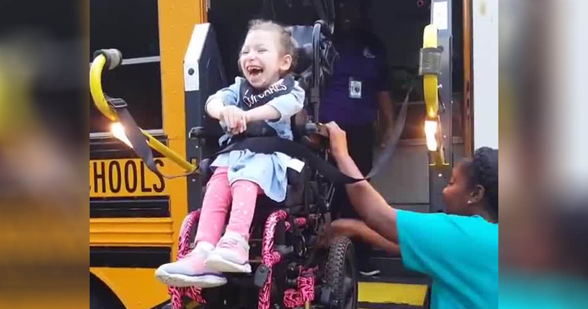 Arianna-Hopper-cerebral-palsy-first-day-school