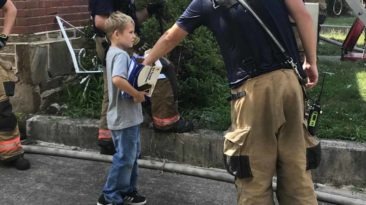 boy-gives-firefighters-icecream