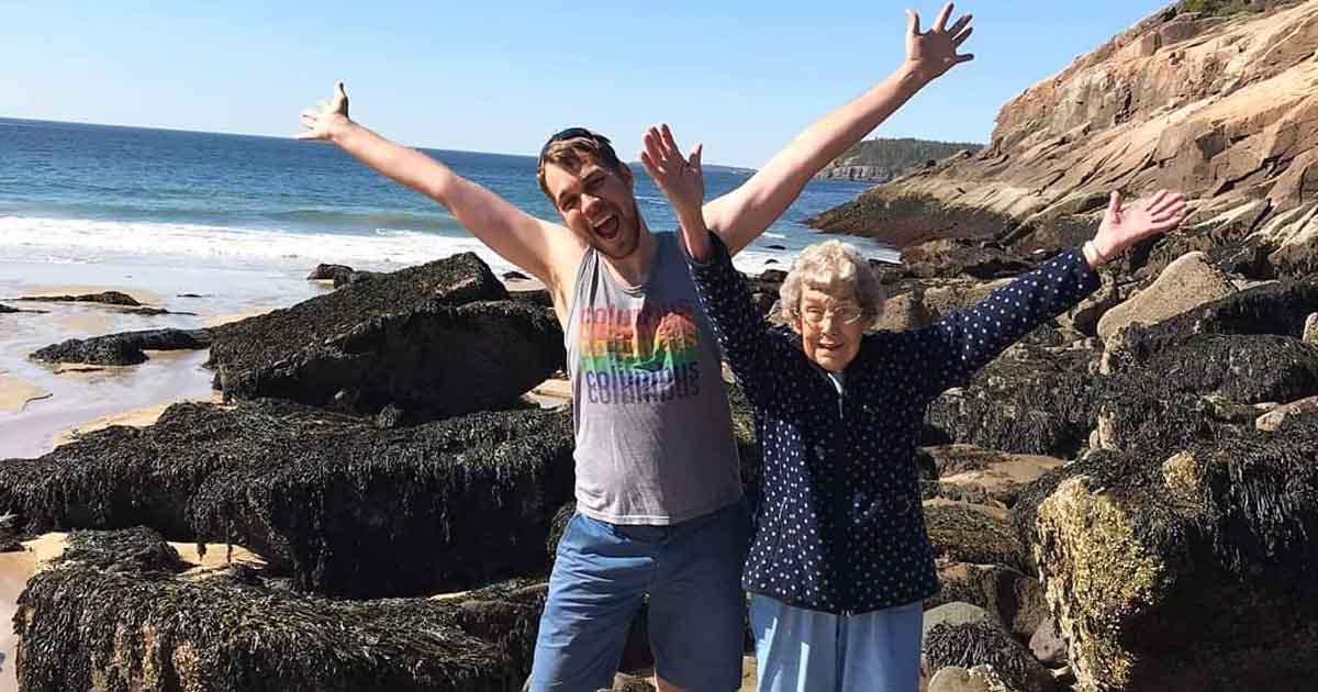grandma-grandson-trip
