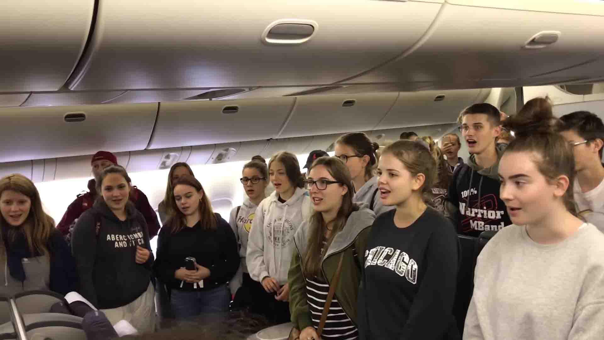 Students-choir-acappella-captain-last-flight-2